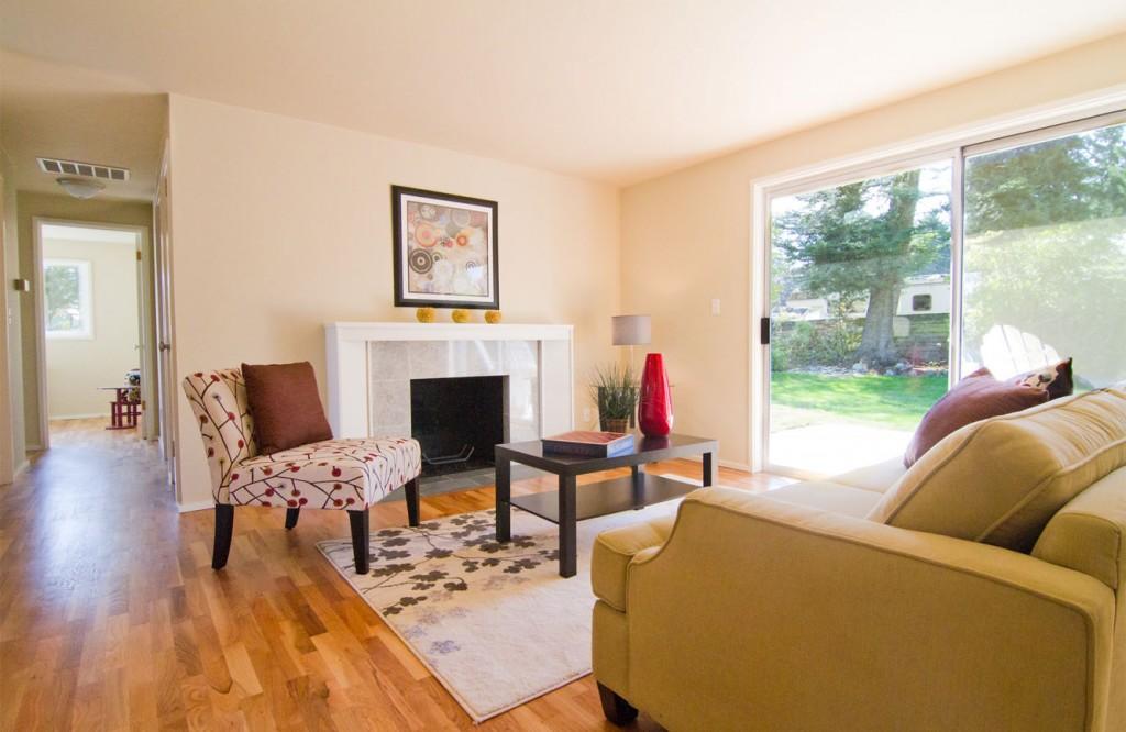 Edmonds Livingroom 1 Enlarged.jpg